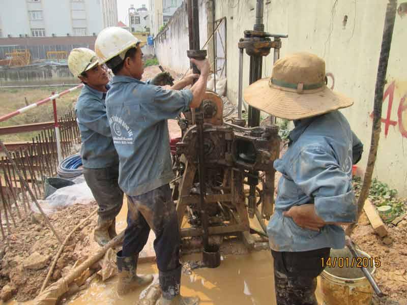 Hình ảnh khoan khảo sát địa chất và quan trắc nước ngầm sky center HK4