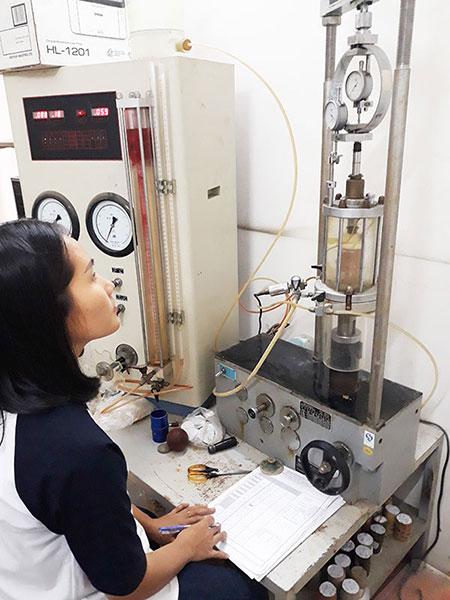 thi-nghiem-ba-truc-CU-ASTM-D4767
